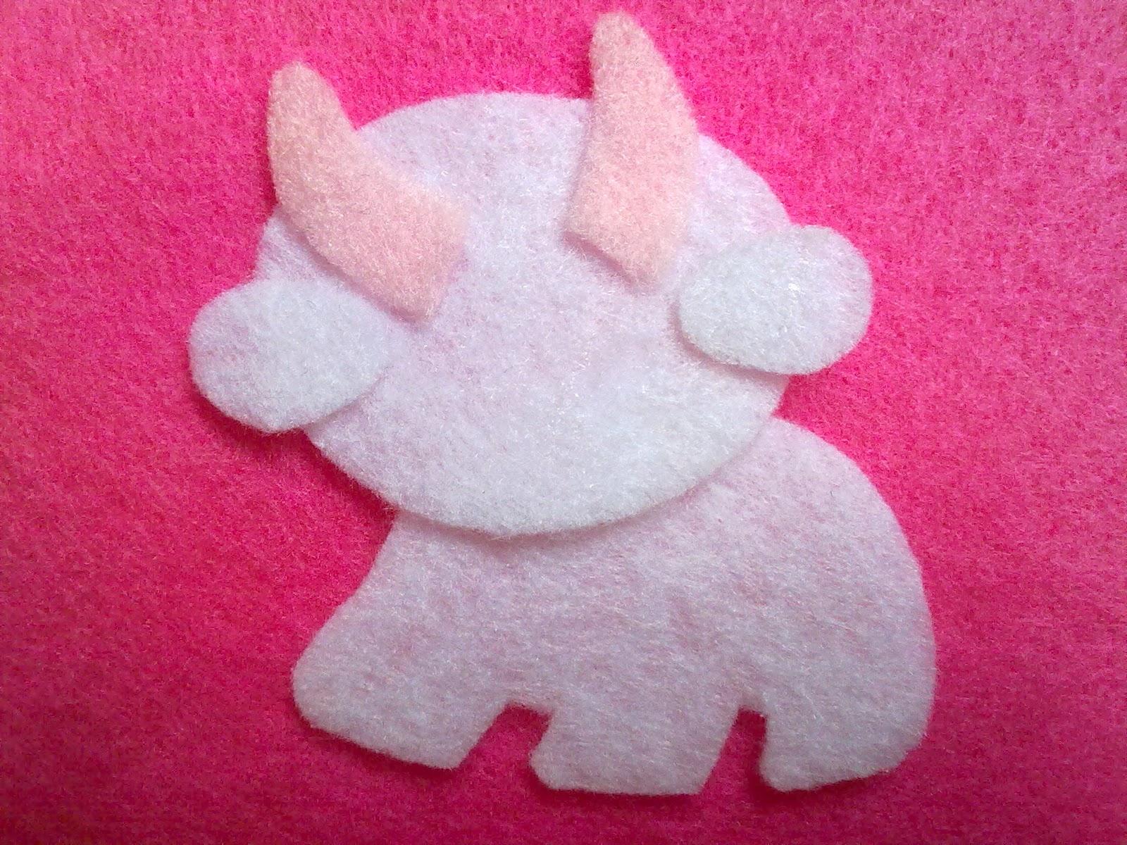 Berikan lem pada bagian tubuh cow seperti badan,wajah,telinga