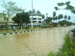 terkandas dalam banjir
