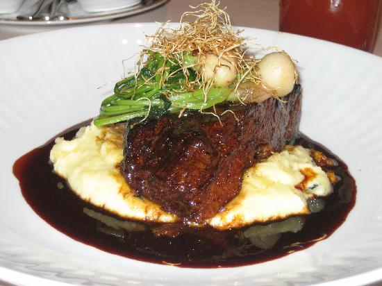 ... are a few of Christina's favorite things...: Yummy Braised Short Ribs