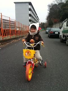 パパの事務所まで自転車で遊びに行くよ