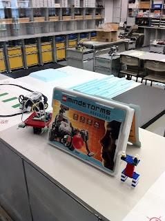 日本科学未来館常設展示の実験教室