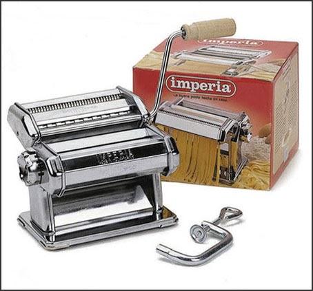 pasta with machine