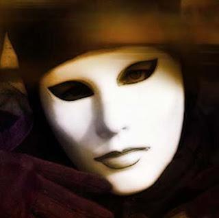 http://1.bp.blogspot.com/_8bLo1whCf3E/SfkA0qKHEbI/AAAAAAAAAjM/Pn081_fWgKU/s320/mascara5.jpg