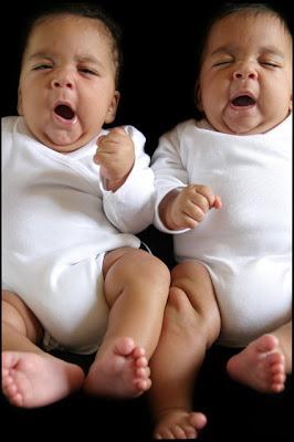 fotos-gemelos-noemi-elias-criandomultiples.blogspot.com