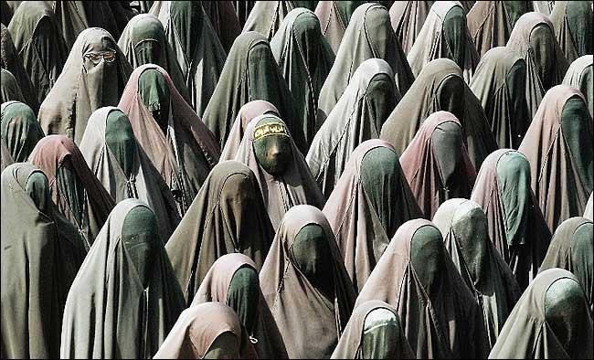 http://1.bp.blogspot.com/_8e-Z_iN6rp4/TA7A_ZYvi_I/AAAAAAAAC5w/MB82DSKnYXc/s1600/burka3.jpg