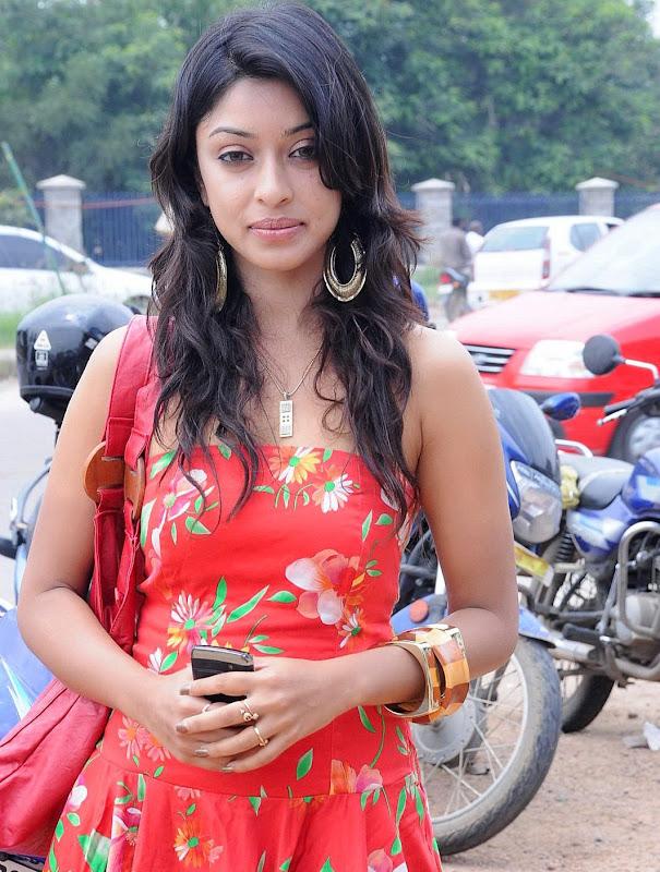 Tollywood Actress Payal Gosh Photos Gallery wallpapers