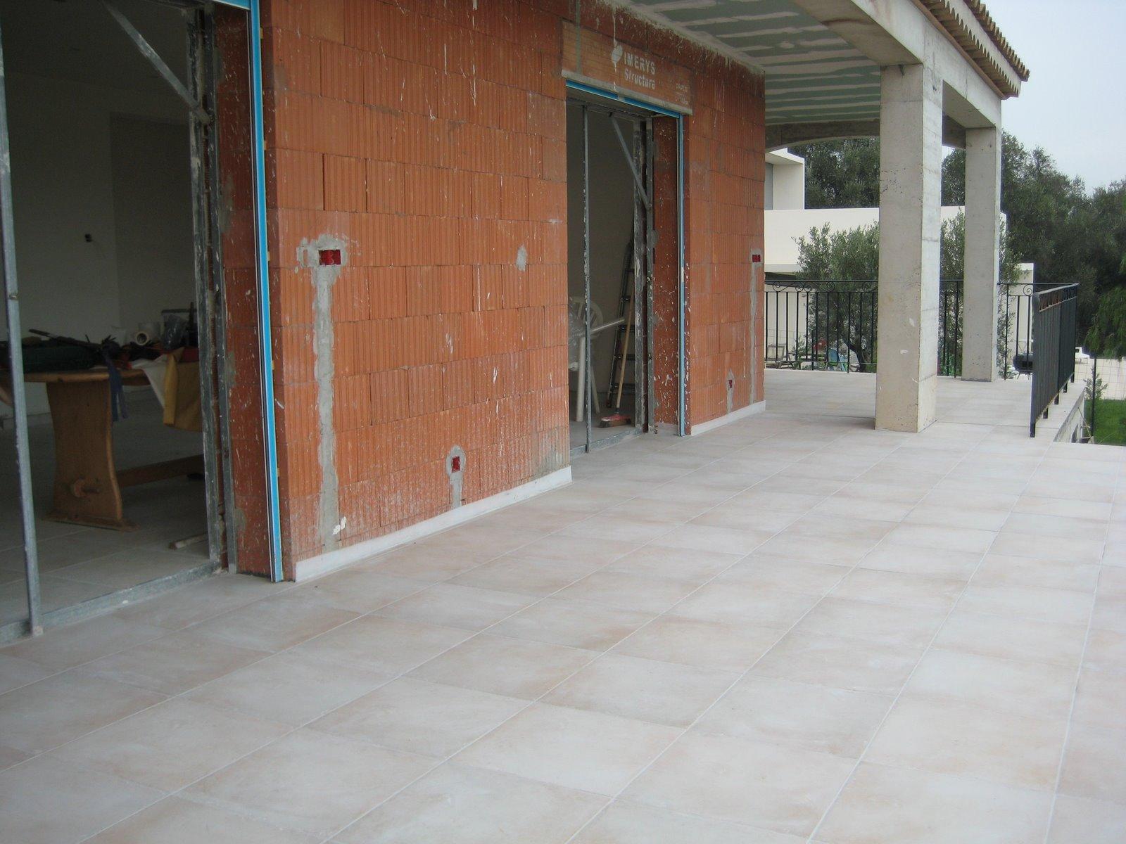 Construction maison carrelage terrasse for Etancheite terrasse avant carrelage