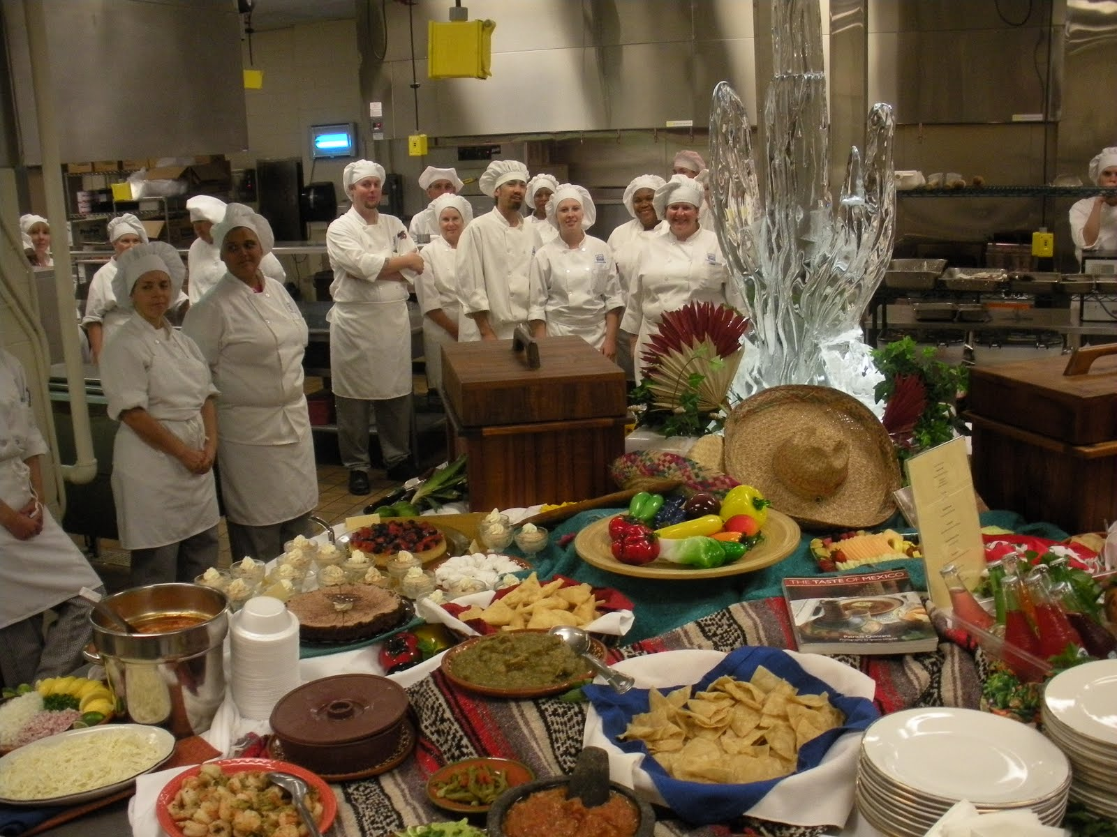 Food Buffet Displays http://hawaiidermatology.com/buffet/buffet-displays-food-presentation-ice-carving-hawaii.htm
