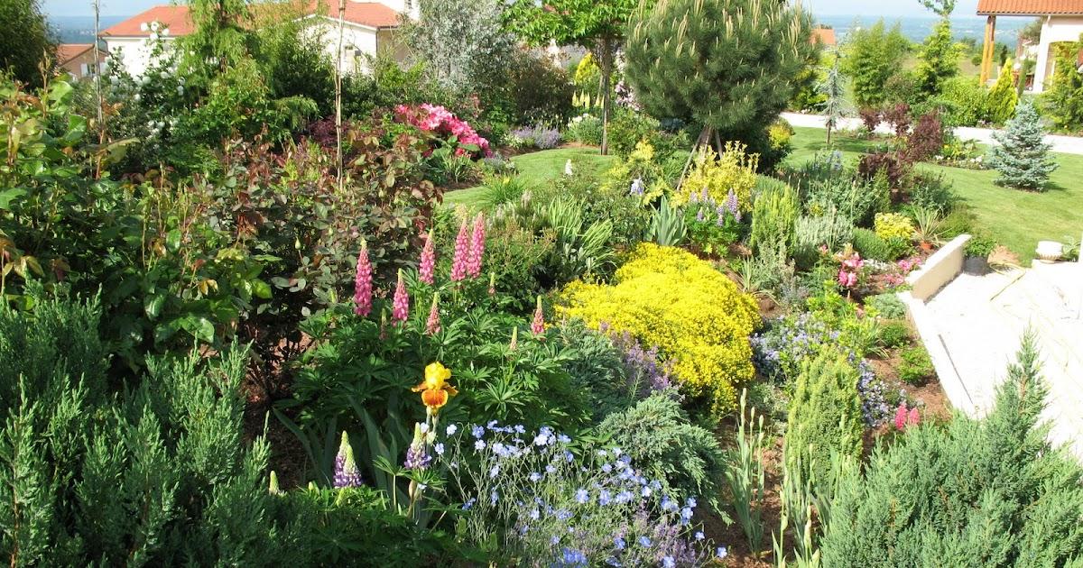 Roses du jardin ch neland promenade au jardin sous un - Parapluie de jardin ...