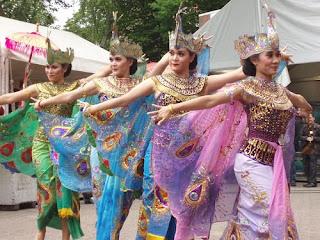 Macam2 Tarian Daerah Indonesia
