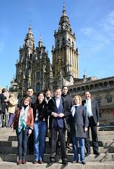 María Jesús Sainz con Mariano Rajoy, Presidente del PP, y políticos de la provincia de A Coruña