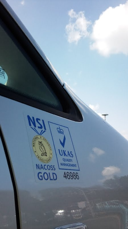 The Green I Signs Blog: Volkswagen Caddy signwriting for ESS in Darlington by Duncan Butterfield ...
