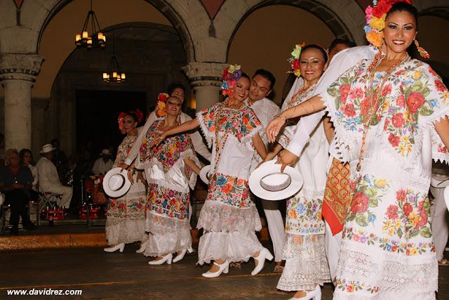 Jarana+(2) 7 Grandiosos Trajes Regionales Mexicanos