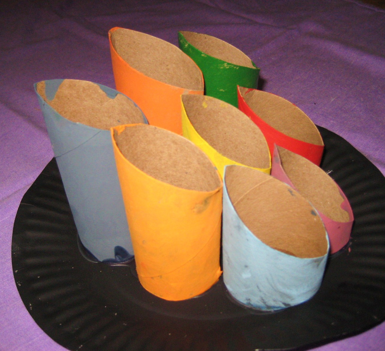 Busy hands busy minds toilet paper roll centerpiece Toilet paper roll centerpieces