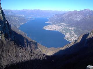 Il ramo lecchese del Lario visto dal monte Moregallo