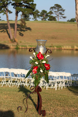 Flying Feathers Ranch Gilmer http://bowdenfloral.blogspot.com/2010/08/donaho-wedding.html