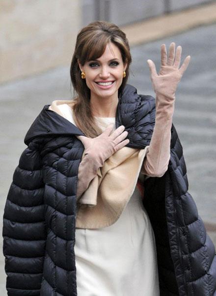 Angelina jolie date of birth