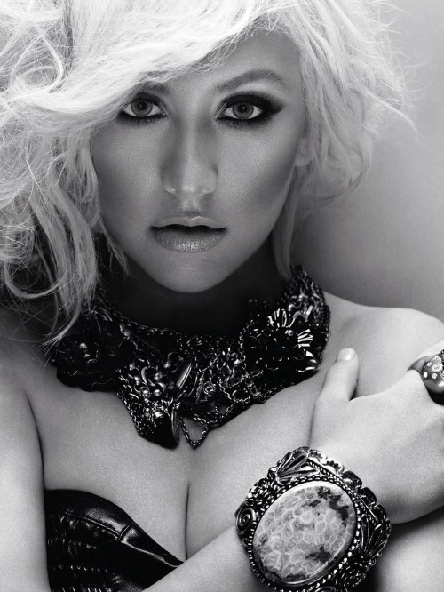 Christina Aguilera InStyle Photoshoot for UK December 2010 Issue