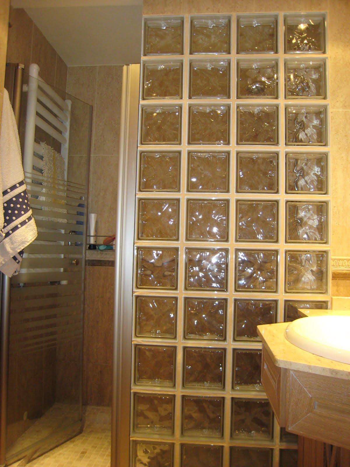 Platos de ducha y mamparas artesanas - Suelos de ducha antideslizantes ...