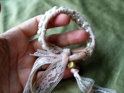 Cách làm vòng tay hạt cườm đáng yêu