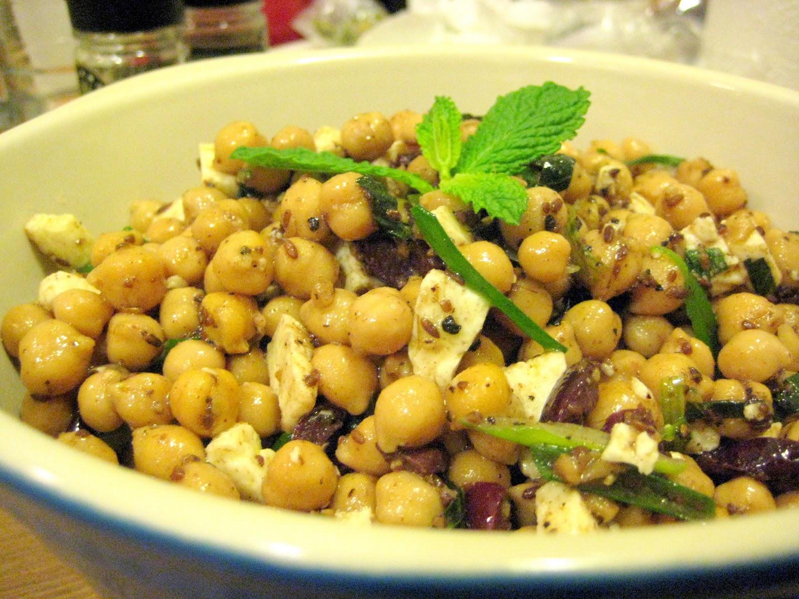 Test Kitchen: Test: Chickpea Salad with Cumin Vinaigrette