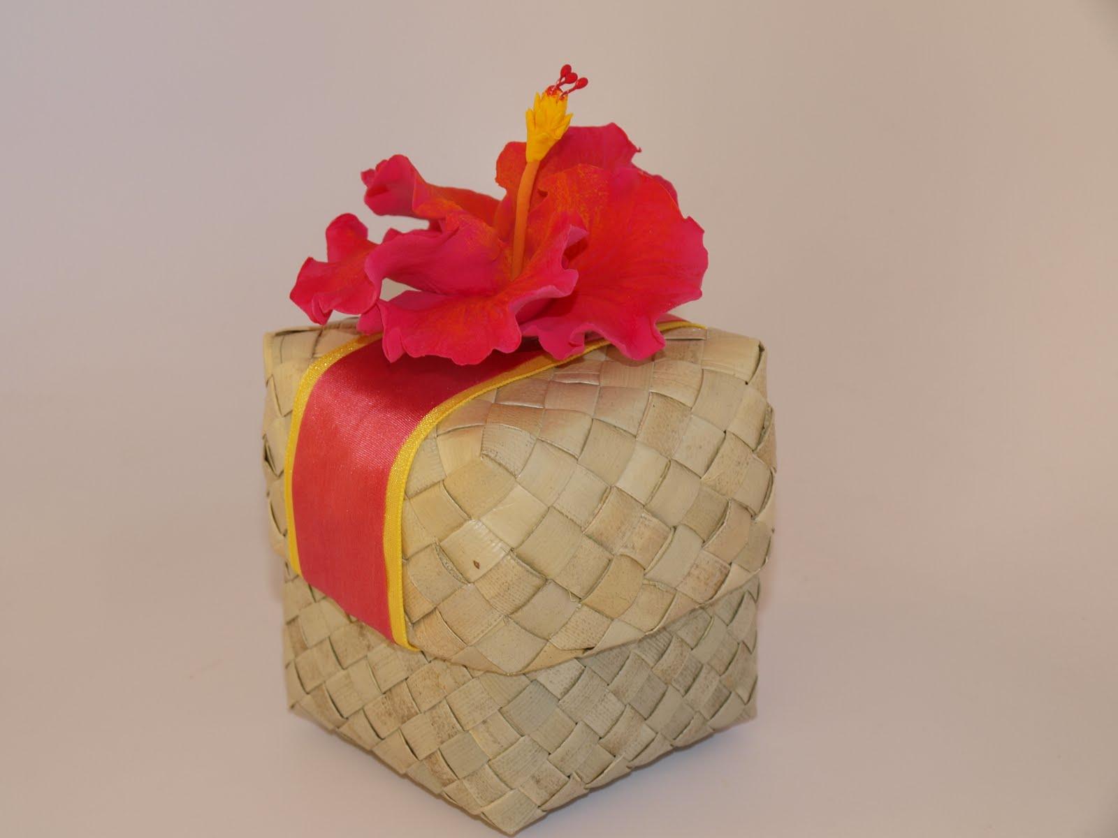 Hawaiian Wedding Favor Boxes : ... , Eco-Friendly Wedding Favors, Lauhala Box, Lauhala Wedding Favor Box