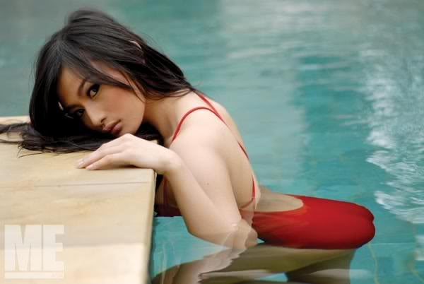 Foto Hot Seksi Debby Ayu with Bikini Celebrity Photoshoot