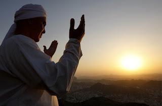 Agar Hati Tetap Hidup, Jagalah dengan Doa