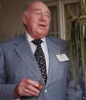 Morre o diretor Ronald Neame aos 99