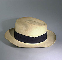 Las palabras del silencio  Historia de los sombreros fd5e9ff56c33