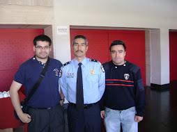 Oficiales de Colbun con el Capitan john Garcia bombero de Houston