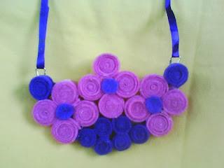 kalung gita gutawa ungu-pink