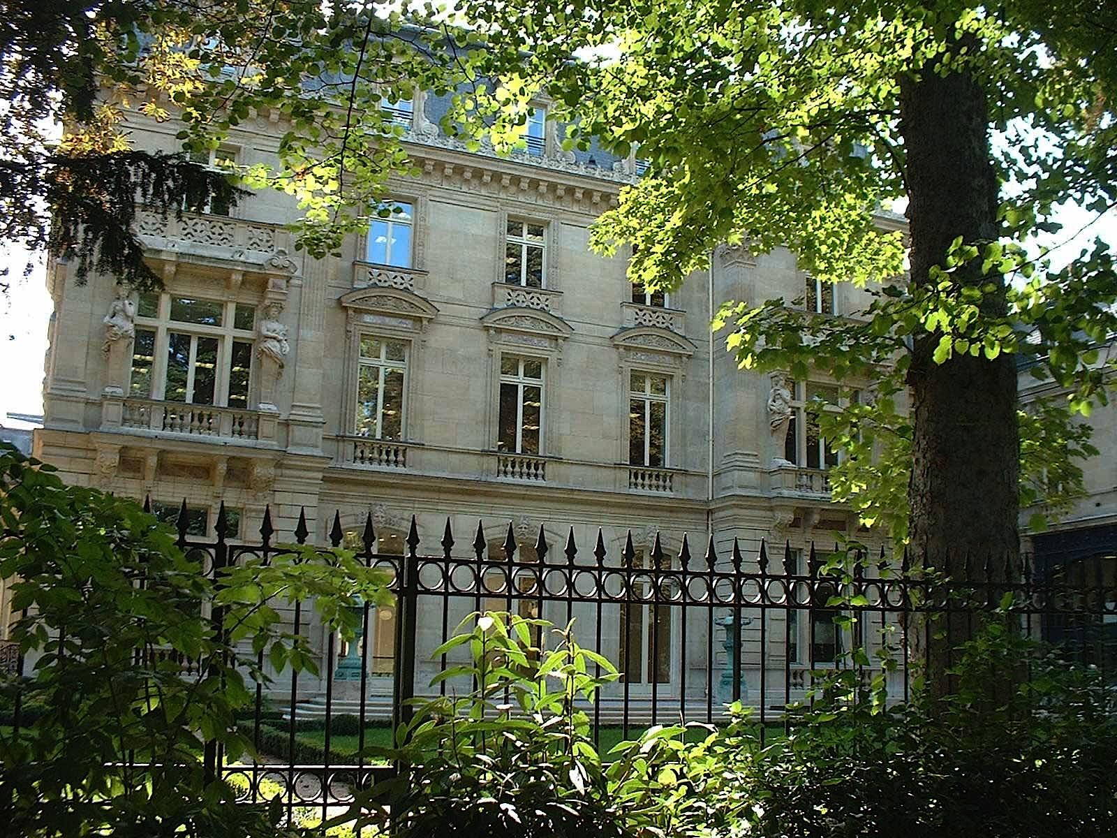 Le Quotidien Qui Mark Le 17e Arrondissement De Paris De