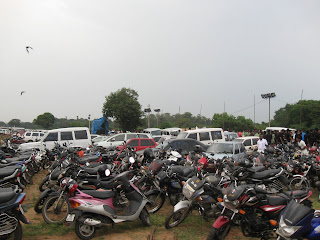vehicle parking at chennai marathon 2009