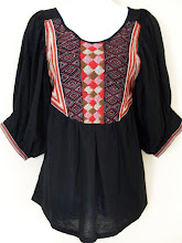 A 1153 - Hobo embroidery top (black)