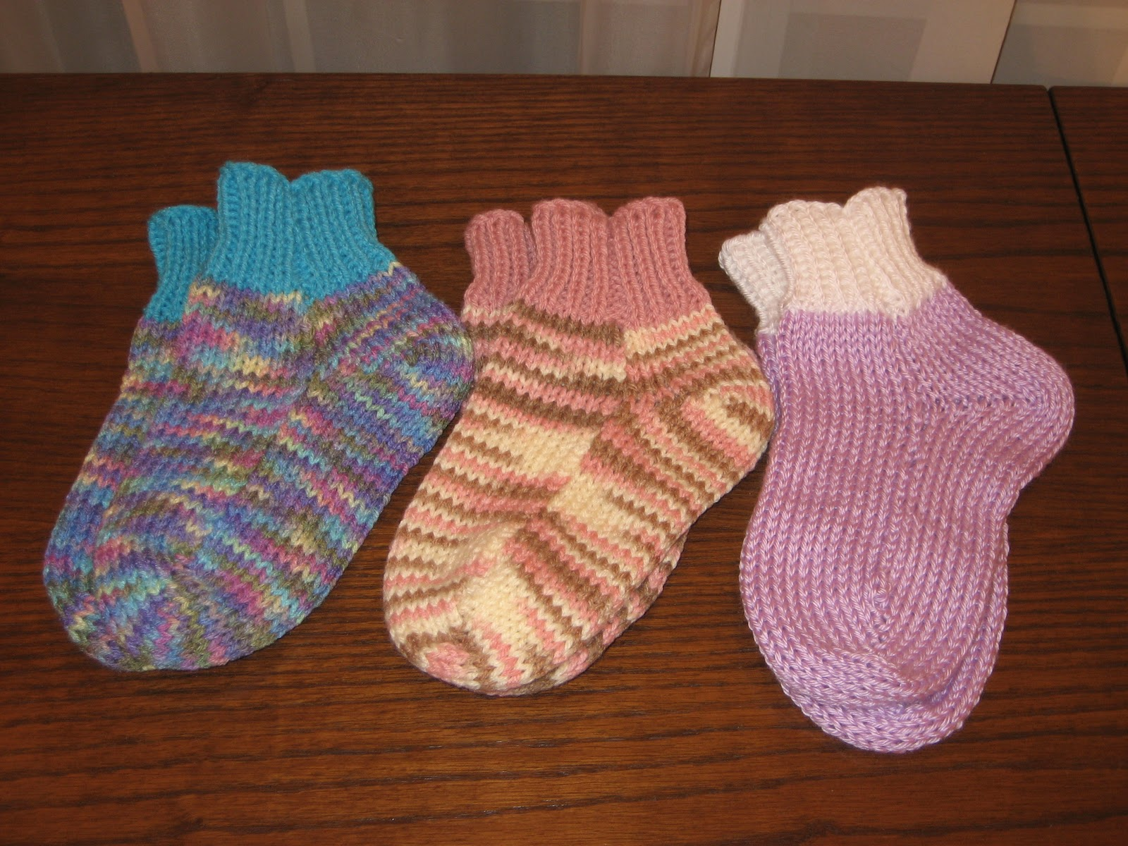 Diana natters on about machine knitting new usm videos big this project was inspired by our having several very cold nights in a row when i had to wear socks to bed or else wait a l o n g time for bankloansurffo Image collections