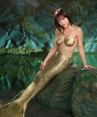 alyssa milano mermaid