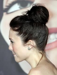 http://1.bp.blogspot.com/_91i1C2Pl8Ew/TOh-ROg_LhI/AAAAAAAAH4o/7FrDpnoxwJw/s640/mandy-moore-hair.jpg
