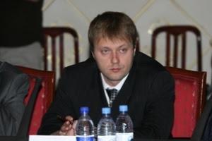 Казахстанские славяне пакуют чемоданы de lune рюкзаки