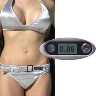 Bikini with built-in UV meter