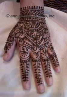 traditional henna tattoo design