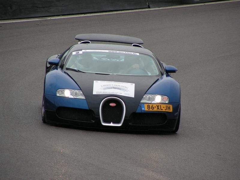carpics by scorpion bugatti veyron meets ferrari f40 zandvoort nl. Black Bedroom Furniture Sets. Home Design Ideas