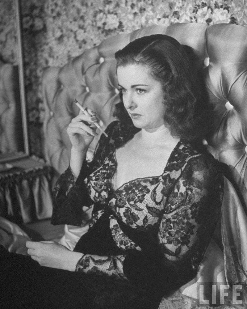 scarlet street film noir essay