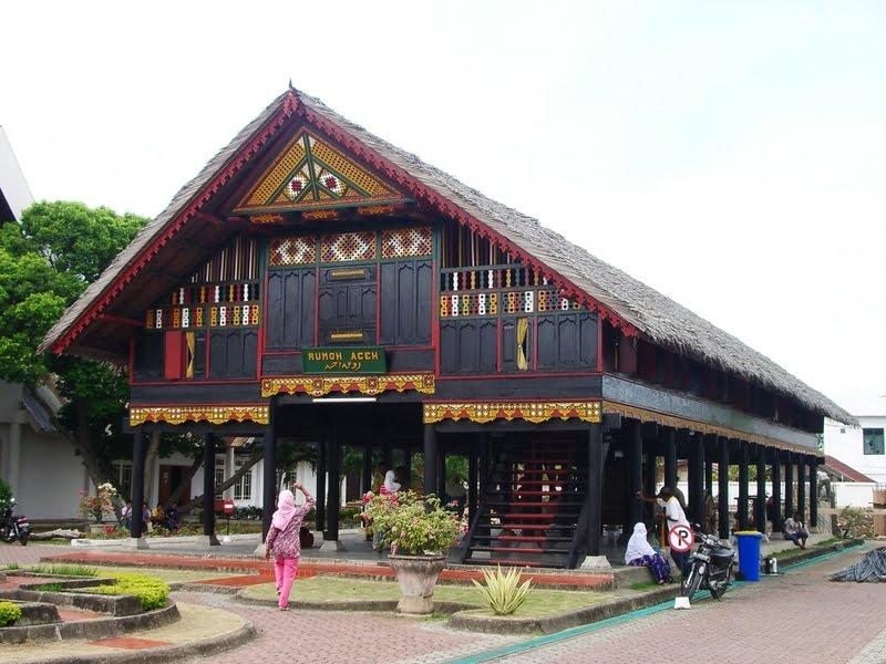 Nama Rumah Adat atau Bangunan Adat Tradisional Khas Daerah Budaya ...