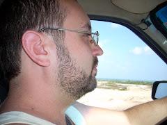 Pilotando a banheira do Manoel nas dunas