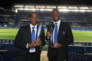 drogba and malouda with chelsea awards