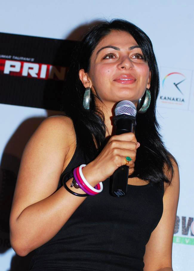 tollywood babes  actress neeru bajwa hot sexy latest