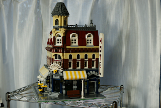LEGO: 10182 Cafe Cornerを組んでみた