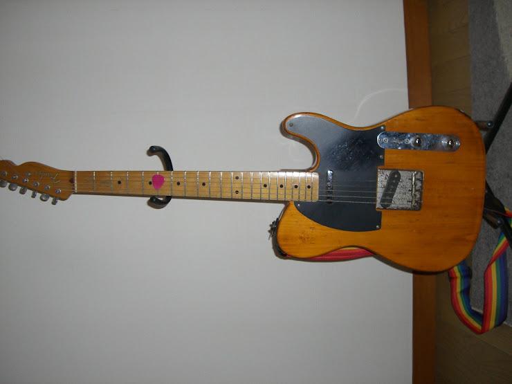 今のメインギター