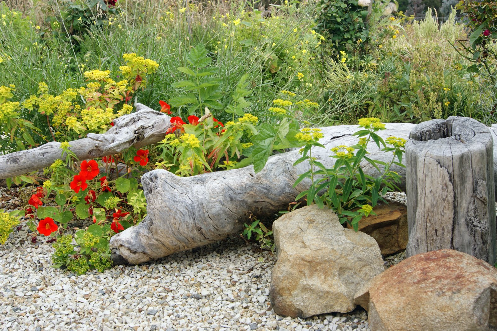 Rustic country gardens on pinterest just b cause for Rustic landscaping